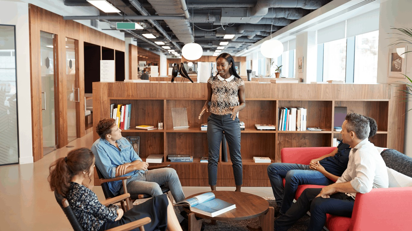 5 Key factors to creating workplace vibe_COMUNiTI